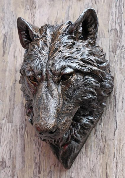 wolf-head-sculpture
