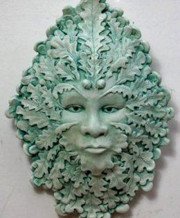 anwen-green-lady