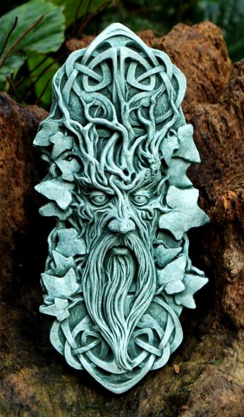 bedwyr-green-man-sculpture