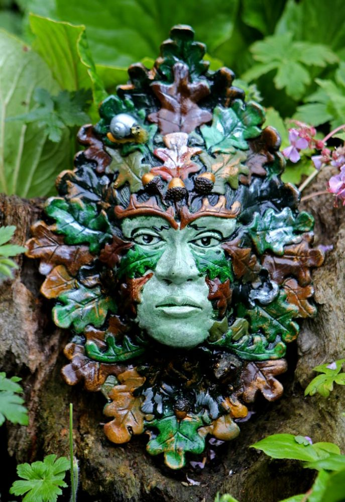 cerdwin-green-lady-sculpture