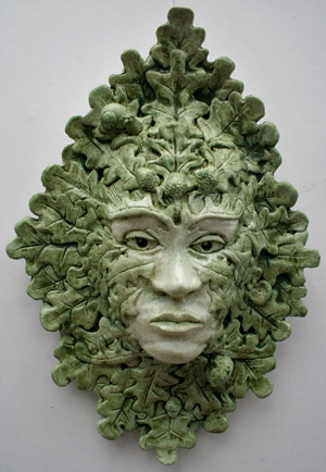 green-lady=cerdwin-sculpture