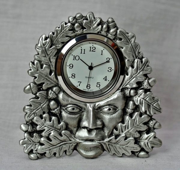 green-man-clock