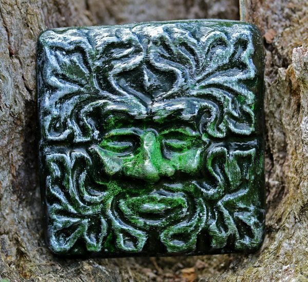 green-man-wall-tile
