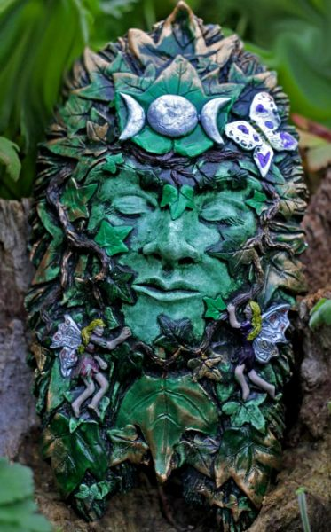 maeve-green-lady-sculpture