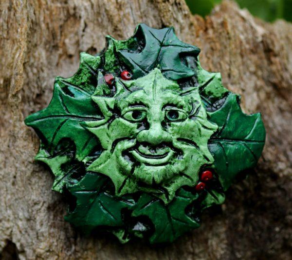 holly-king-green-man-sculpture