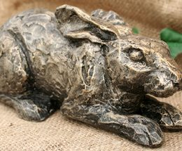 acorn-hare-sculpture-smaller