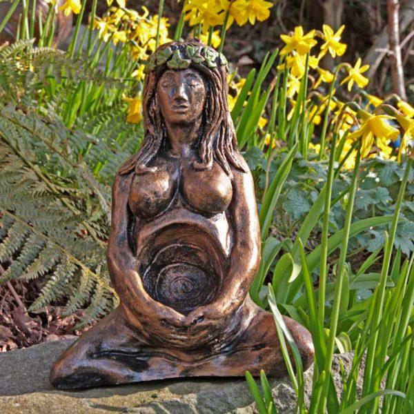 arianrhod-goddess-sculpture