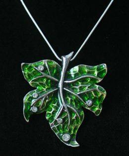 crystal-drop-necklace