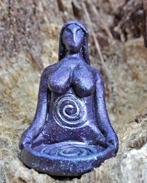 goddess-spiral-candle-holder