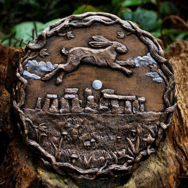 hare-over-stonehenge