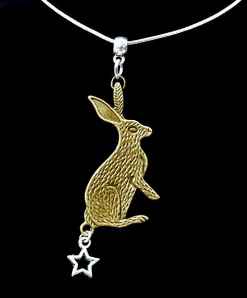 hare-star-pendant
