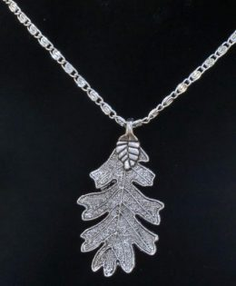 oak-leaf-pendant