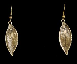 rowan-leaf-ears