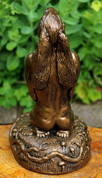 sacred-hare-rear-view