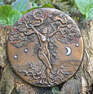 tree-goddess-sculpture