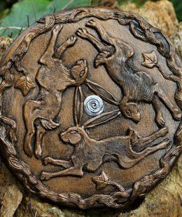 trinity-hare-wall-plaque
