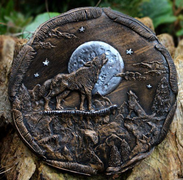 wolf-plaque