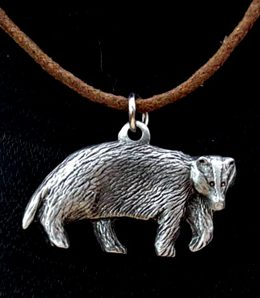 badger-necklace