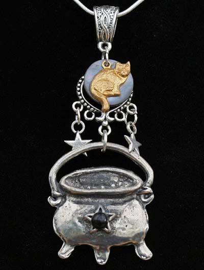 cat-cauldron-pendant