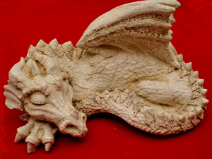 dafydd-sleeping-dragon-sculpture