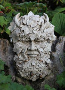 highlighted-herne-green-man-sculpture