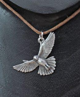 kestrel-pendant