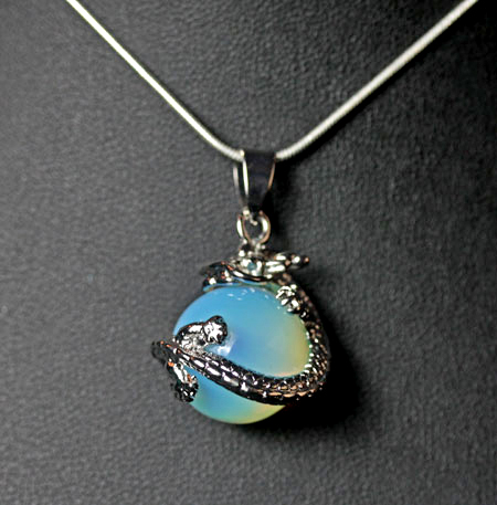 dragon-oplaite-necklace