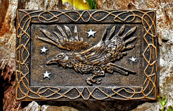 raven-plaque