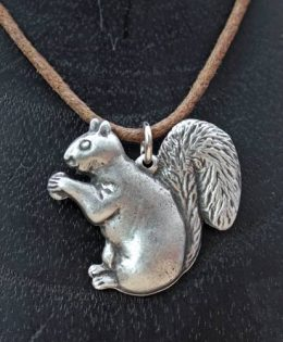 squirrel-pendant