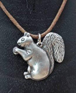 squirrel-pendant