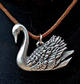 swan-necklace
