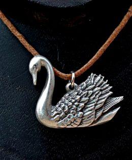 swan-pendant