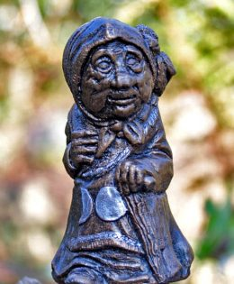 wise-woman-sculpture