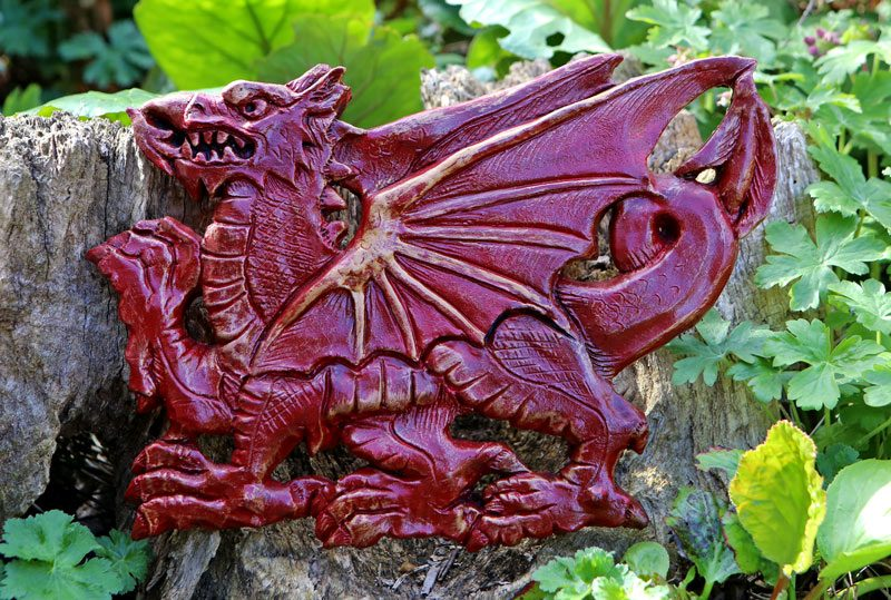 welsh-dragon-statue