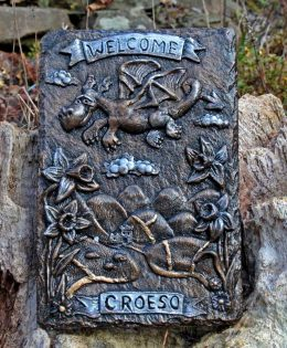welsh-dragon-welcome-plaque