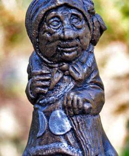 witch-sculpture