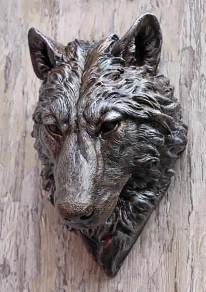 wolf-head-sculpture