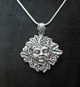 green-lady-pendant