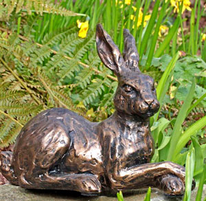 hare-sculpture-buttercup