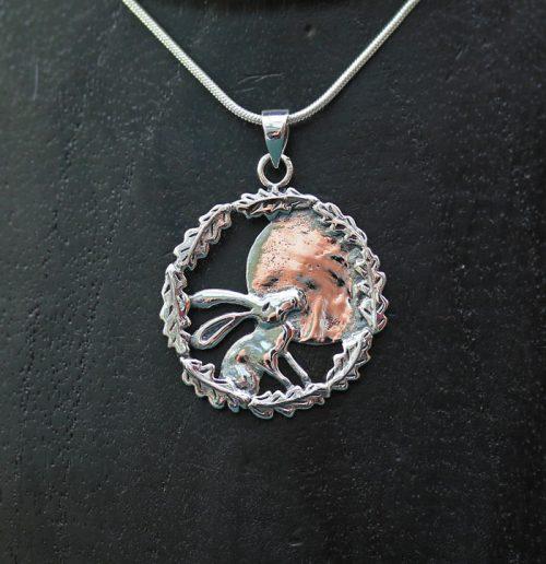 moon-gazing-hare-pendant
