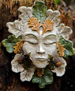 green-lady-sculpture-oak