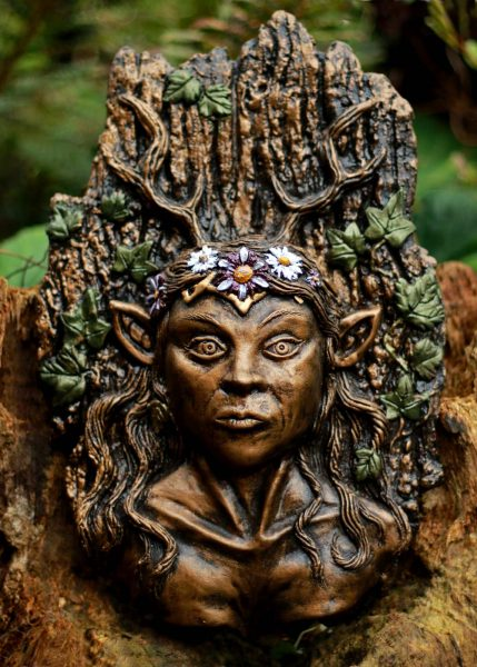 lady-of-the-wildwood-sculpture
