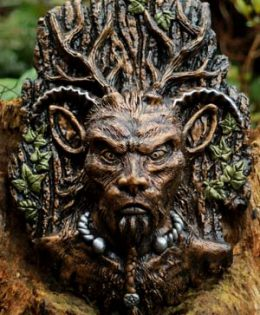 lord-of-the-wild-wood-sculpture
