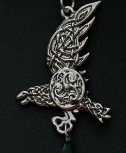 raven-necklace