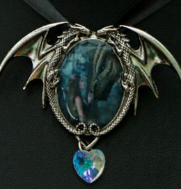 crystal-heart-dragon-necklace