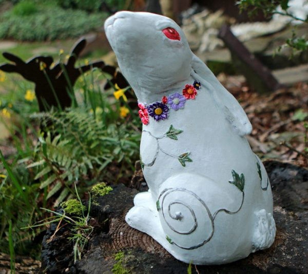 white-moon-gazing-hare-sculpture
