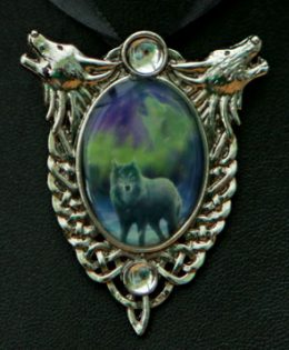 wolf-crystal-necklace