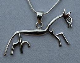 uffington-horse-neck-lace