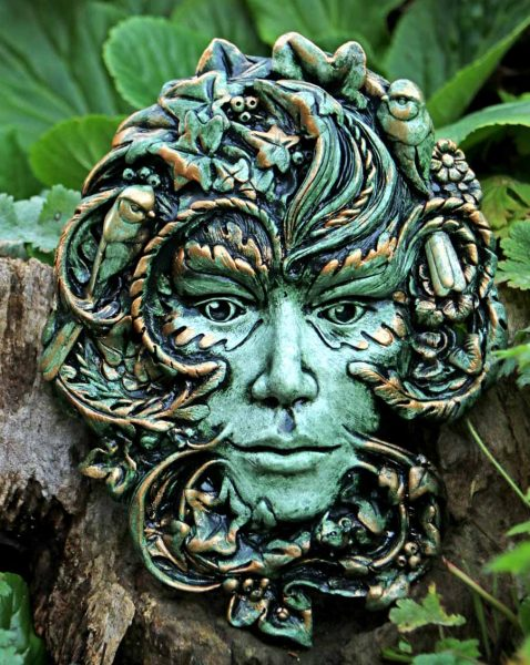 Gaia Earth Green Lady Sculpture Forest Green Finish