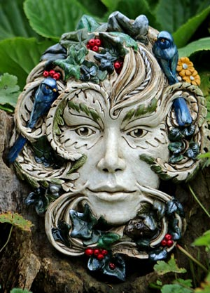 kathleen-minton-green-lady-sculpture